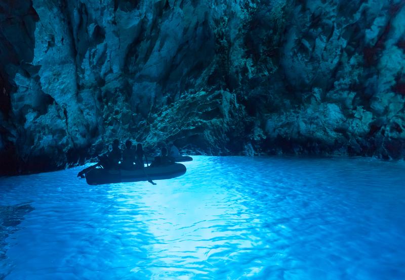 Modra Špilja Blue Cave Bisevo Croatia