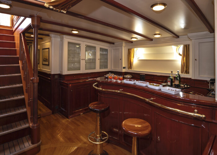 Yacht invader bar and waiting drinks