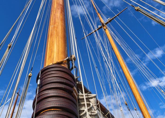 Yacht invader mast