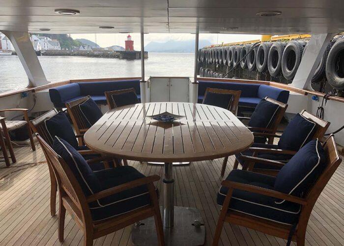 classic motor yacht chantal alfresco dining.jpg