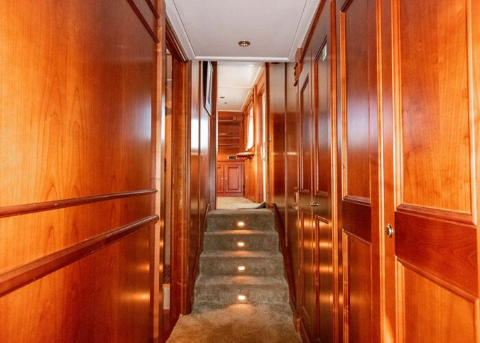 classic motor yacht chantal interiormcorridor.jpg