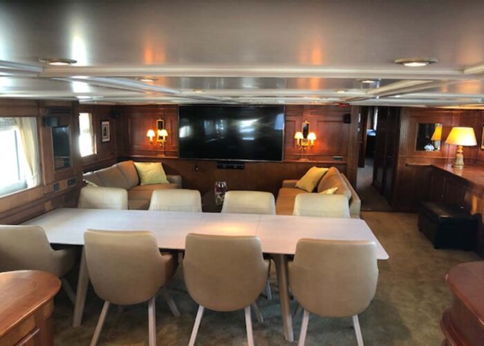 classic-motor-yacht-chantal-interior-main-saloon.jpg