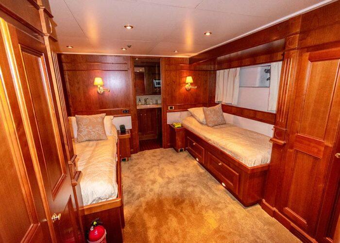 classic motor yacht chantal interior twin cabin.jpg