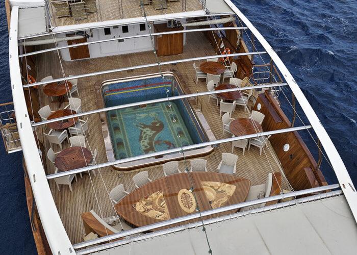 classic motor yacht christina o external swimmingpool.jpg