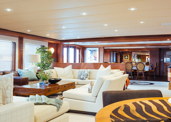 classic motor yacht daydream interior saloon.jpg