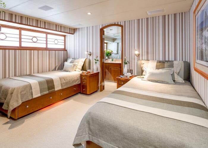 classic motor yacht daydream interior twin cabin.jpg