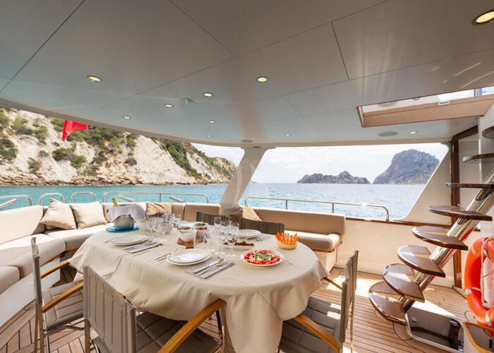 classic motor yacht monara external alfresco dining.jpg