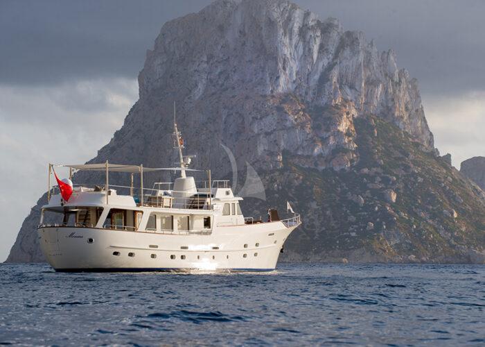 classic motor yacht monara external landscape.jpg
