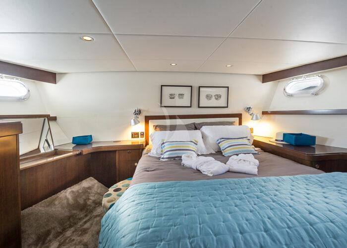 classic motor yacht monara interior vip bedroom.jpg