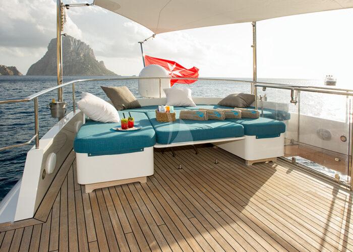 classic motor yacht monara sundeck seating.jpg