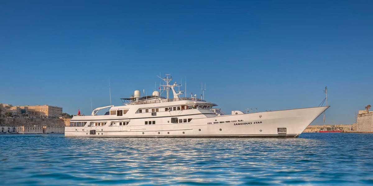 classic motor yacht sanssouci star external main.jpg