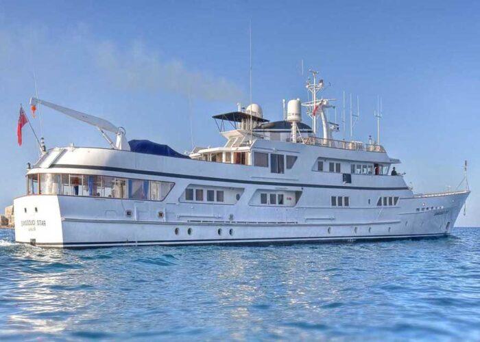 classic motor yacht sanssouci star external side profile.jpg