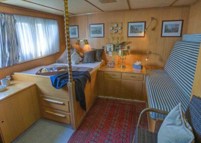 classic motor yacht sanssouci star interior bedroom.jpg