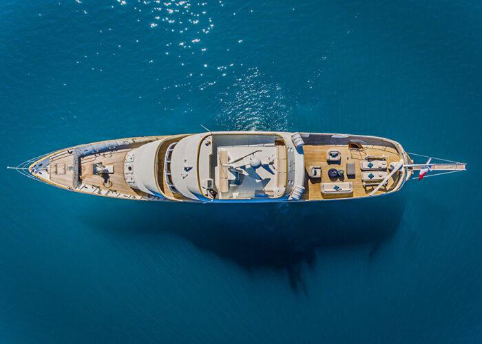 classic motor yacht to je to external birdeeyeview.jpg