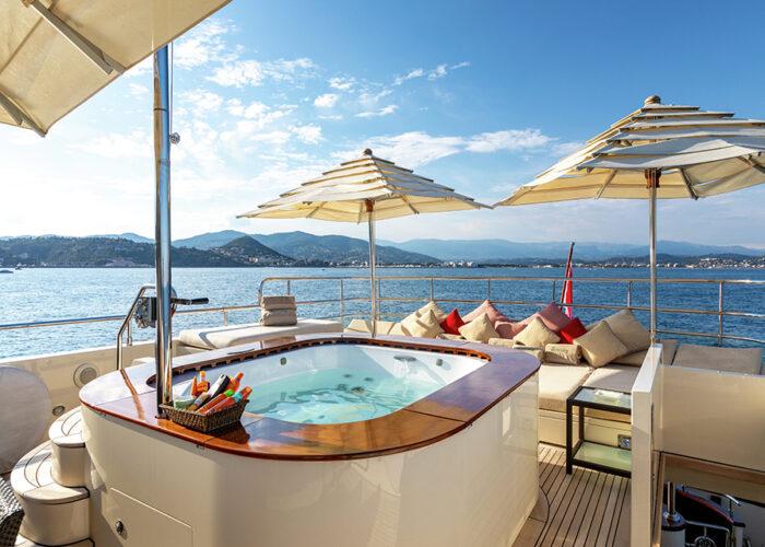 classic motor yacht wexplorer deck jacuzzi.jpg