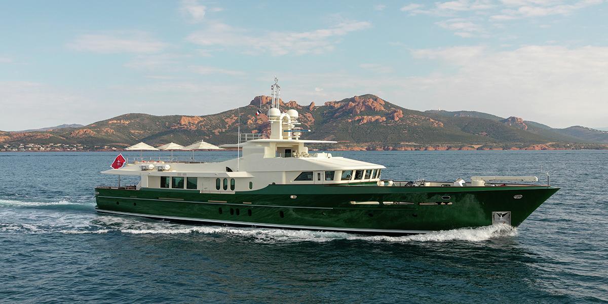 classic motor yacht wexplorer external main.jpg