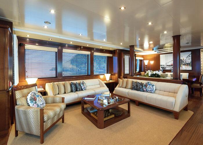 classic motor yacht wexplorer interior main saloon.jpg