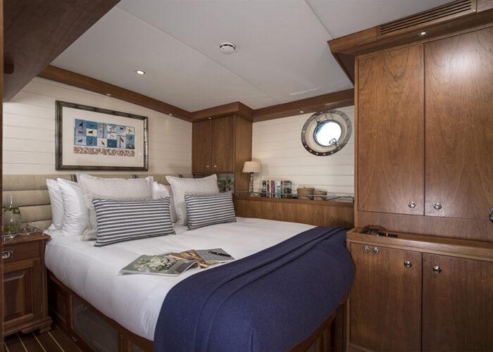 classic sailing yacht alexofloflondon double guestcabin.jpg