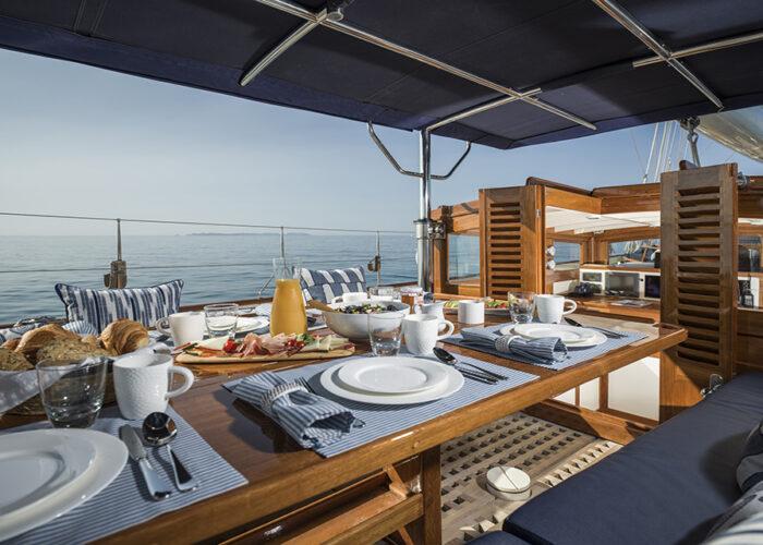 classic sailing yacht alexofloflondon sundeck alresco dining.jpg