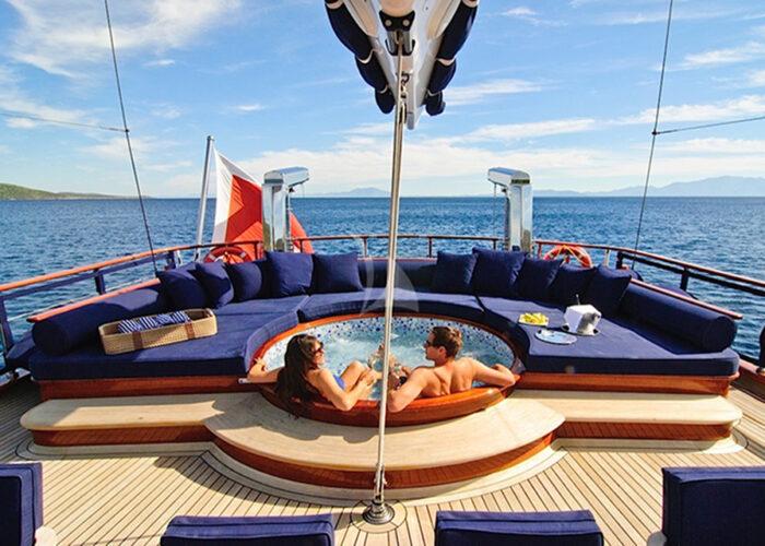 classic sailing yacht cleareyes external jacuzzi deck.jpg