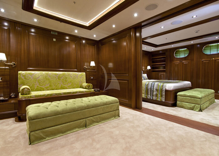 classic sailing yacht clear eyes interior lounge.jpg