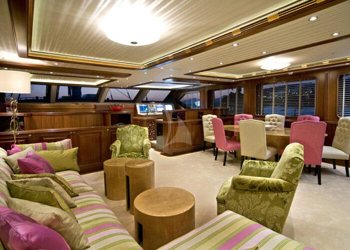 classic sailing yacht clear eyes interior main saloon.jpg