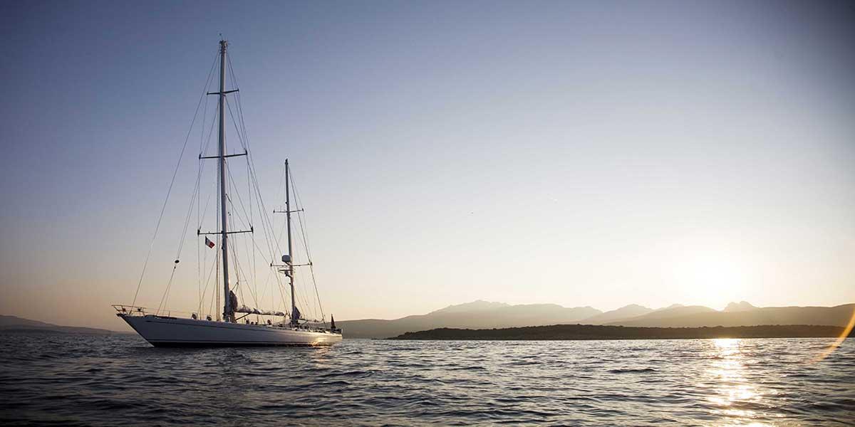 classic sailing yacht cylosII external main.jpg
