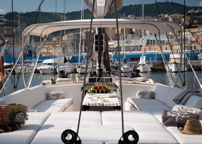 classic sailing yacht whisper deck2.jpg