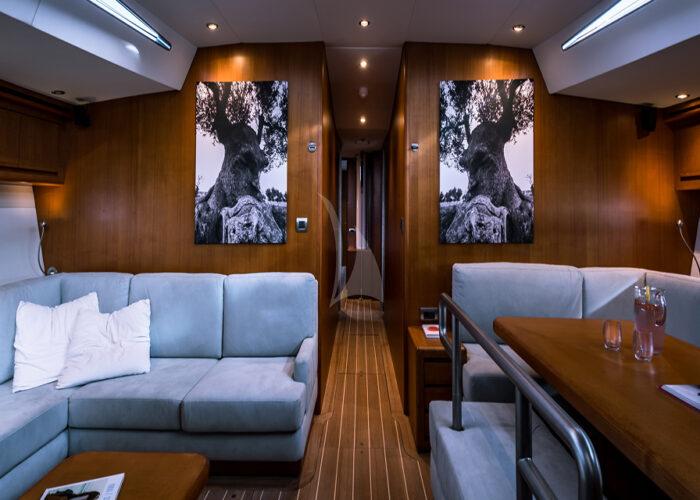 classic sailing yacht ikigai interior main saloon2.jpg