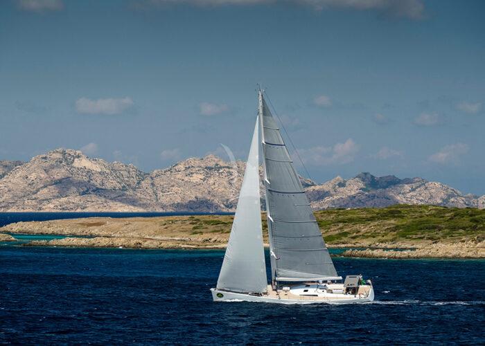classic sailing yacht ikigai side profile.jpg