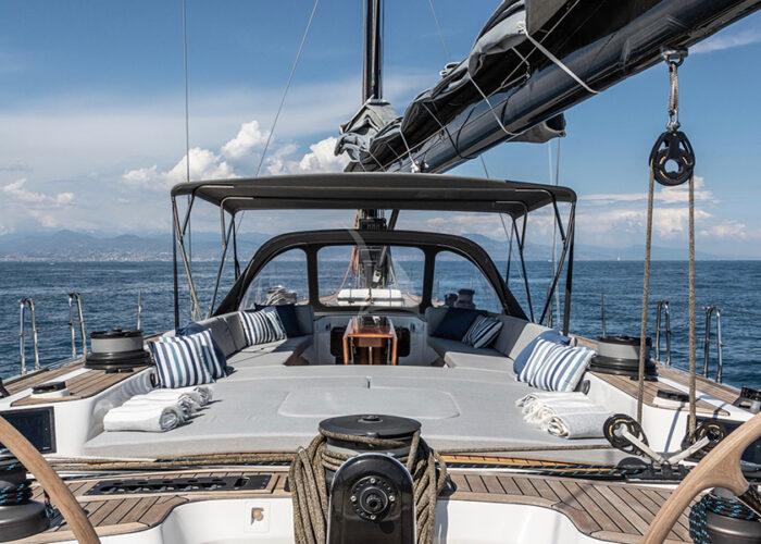 classic sailing yacht kallima external3.jpg