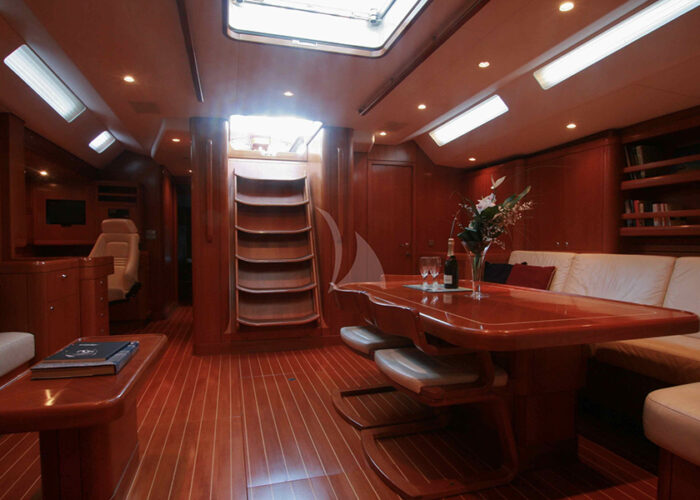 classic sailing yacht kallima interior maindeck saloon.jpg
