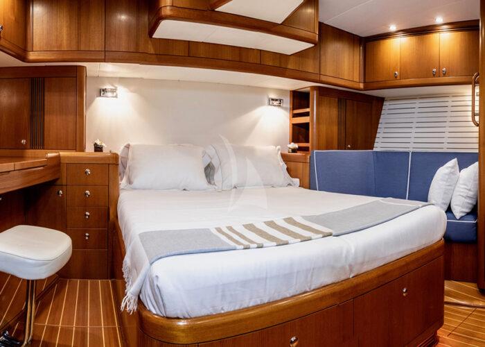 classic sailing yacht kallima interior master bedroom.jpg