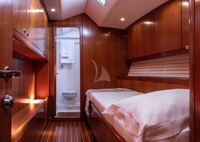classic sailing yacht kallima interior single cabin.jpg