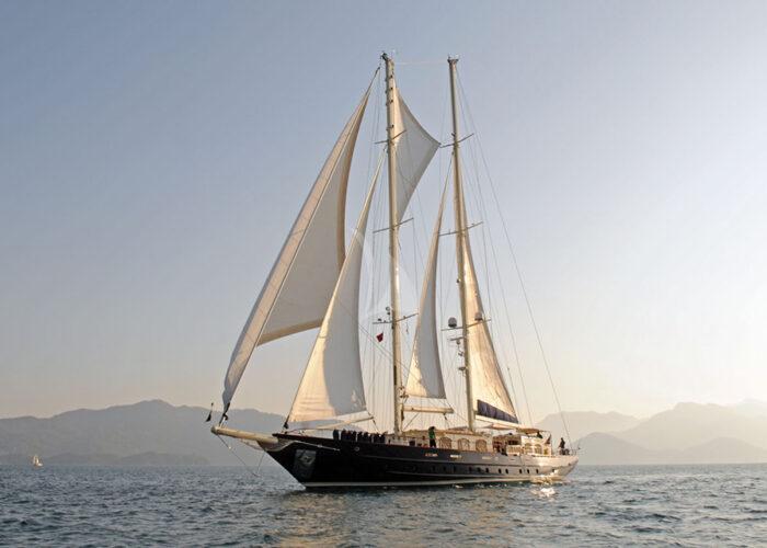classic sailing yacht ofelia external bow.jpg