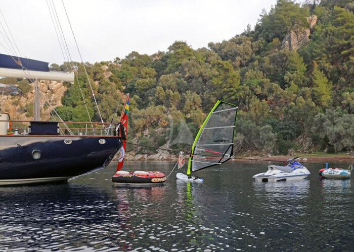 classic sailing yacht ofelia external water toys.jpg
