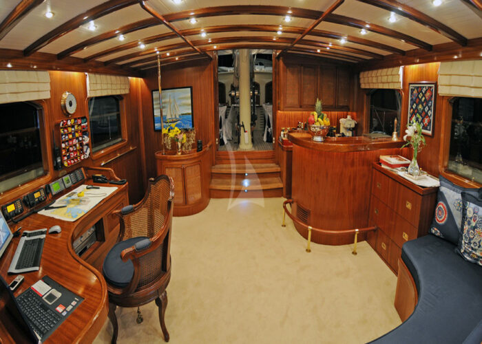 classic sailing yacht ofelia interior main deck.jpg