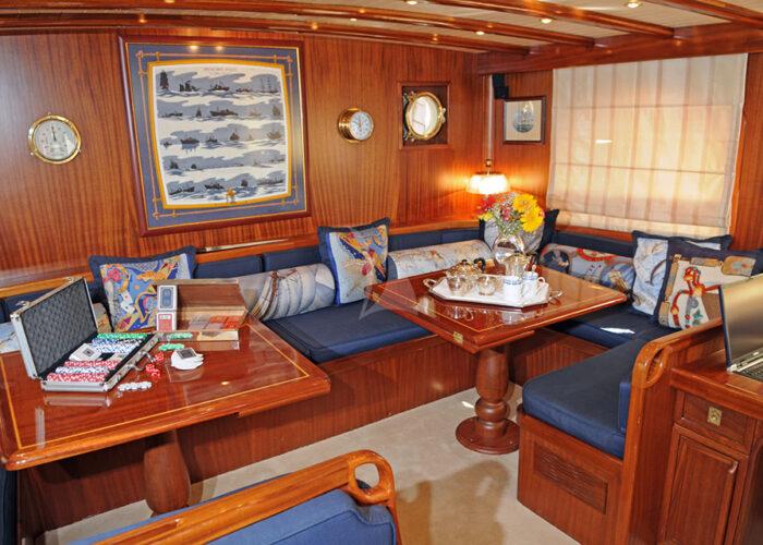 classic sailing yacht ofelia interior main saloon.jpg