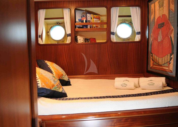 classic sailing yacht ofelia interior single cabin.jpg