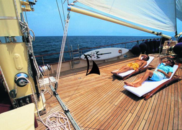 classic sailing yacht ofelia sundeck lifestyle.jpg
