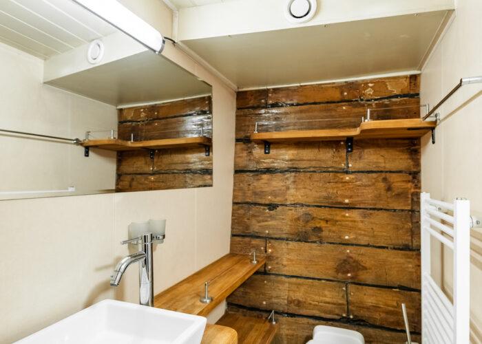 togo double bathroom