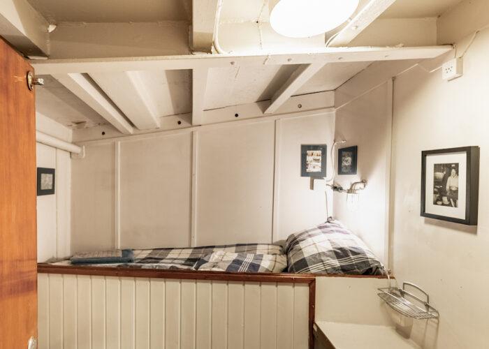 togo single cabin